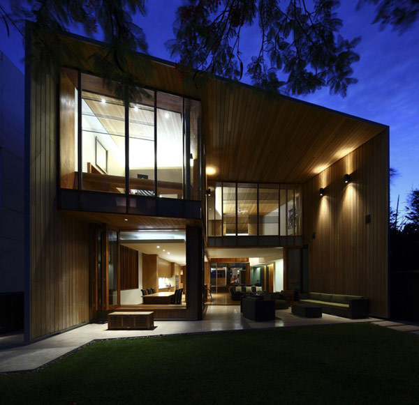 modern wooden house with yard in city (15)