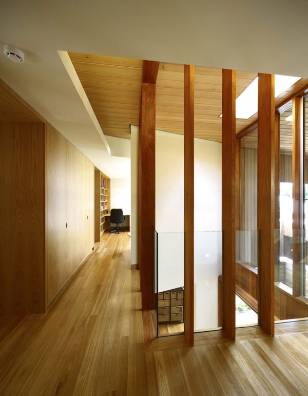 modern wooden house with yard in city (5)