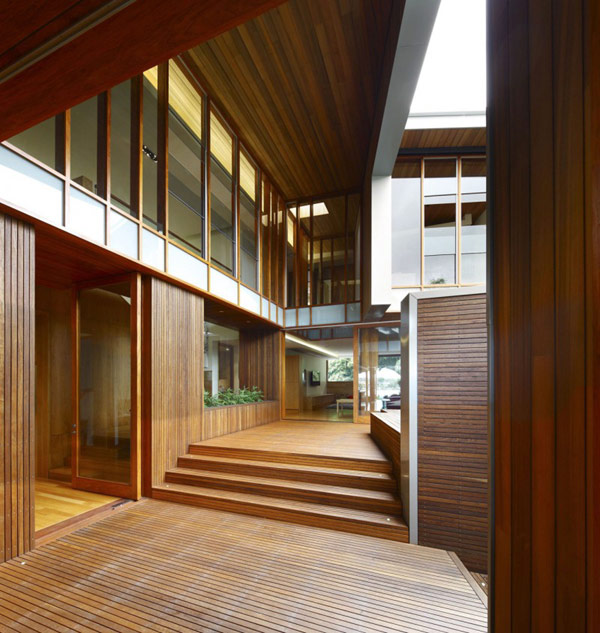 modern wooden house with yard in city (7)