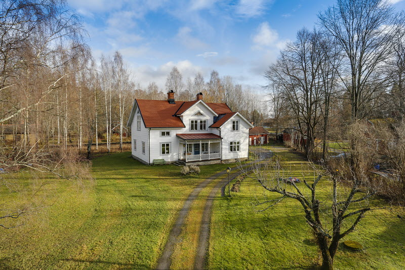 2 storey house countryside sweden (14)