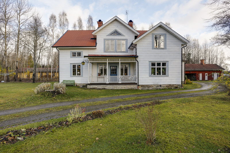 2 storey house countryside sweden (17)
