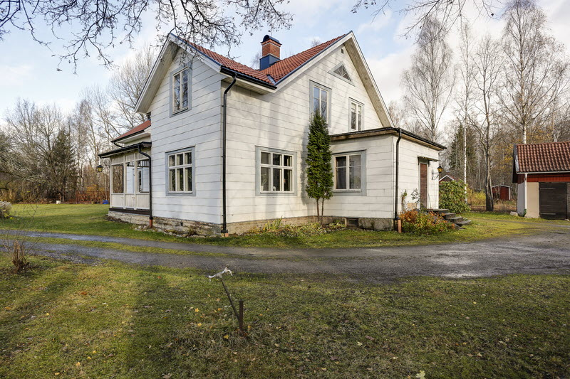 2 storey house countryside sweden (4)