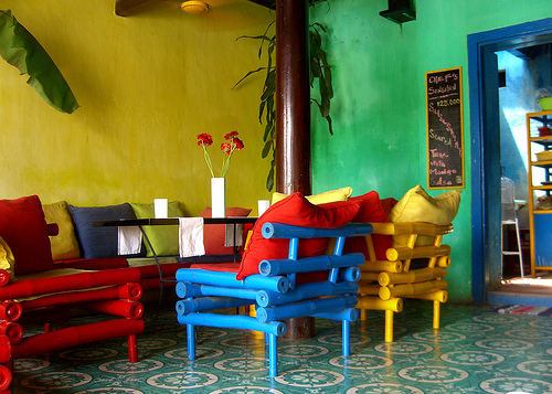 cool-colorful-dining-area