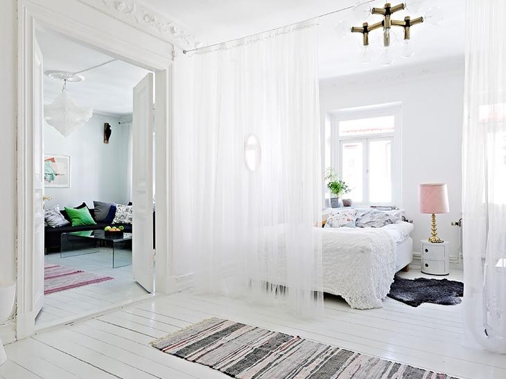 gauzy-white-curtains