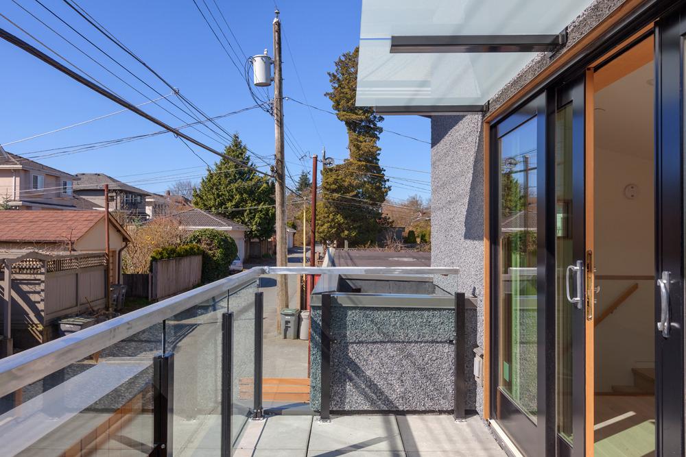 loft-like house (1)