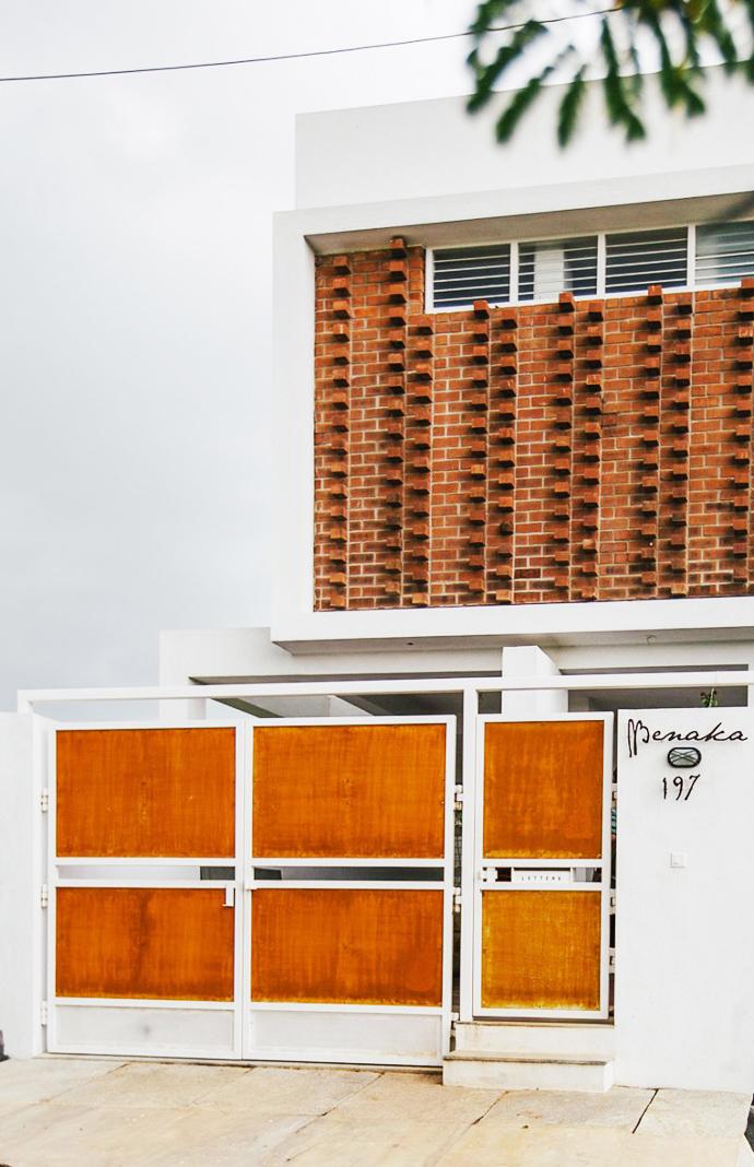 modern contemporary industrial loft house (10)