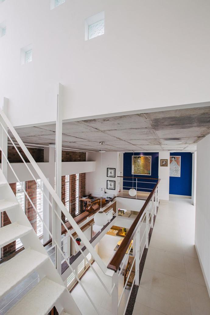 modern contemporary industrial loft house (4)