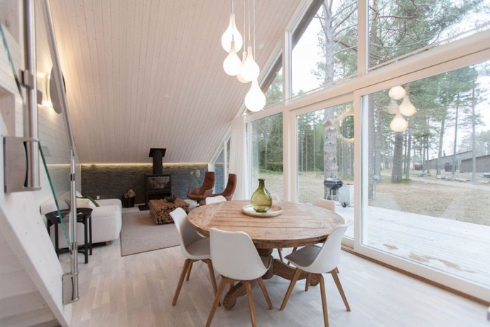 modern small wooden house in wood (11)