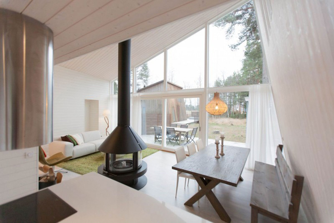 modern small wooden house in wood (5)