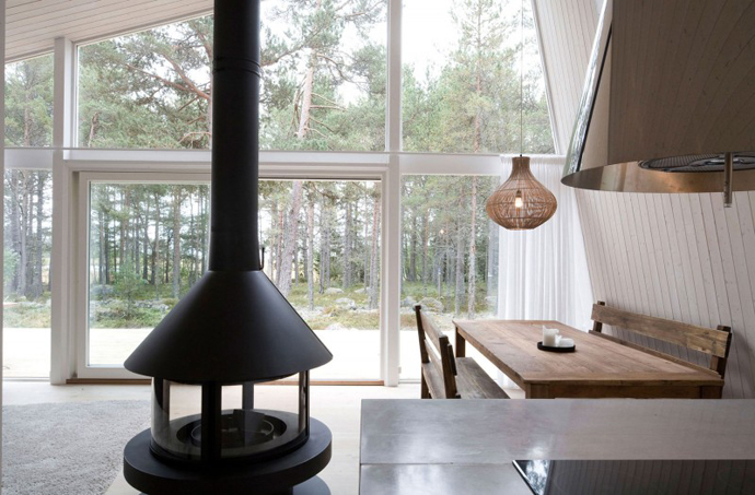 modern small wooden house in wood (6)