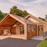 อาคารไม้ของโรงเรียนอนุบาลในประเทศอังกฤษ ออกแบบได้อย่างสวยงามมีเอกลักษณ์