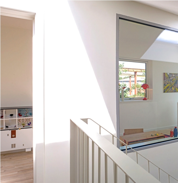 old ontainer turn to modern house (9)