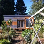 แบบบ้านไม้หลังจิ๋ว ใช้พื้นที่เพียงนิดเดียว แต่สร้างสรรค์ให้รองรับทุกการใช้งาน