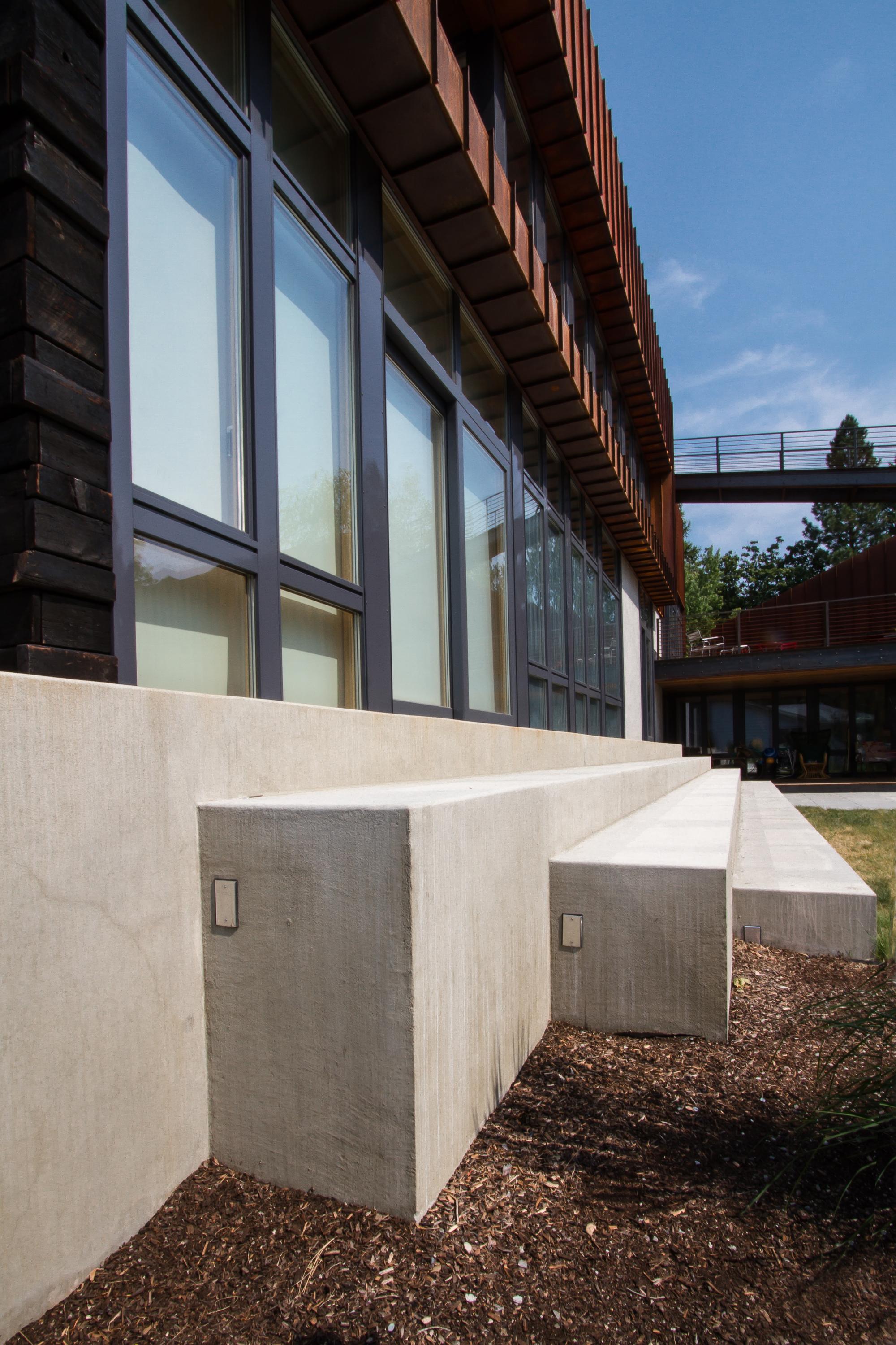 suitable modern house (3)
