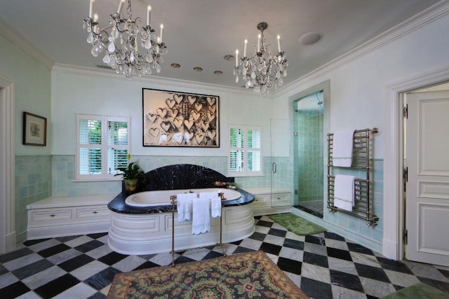 900 millions house on sale (15)