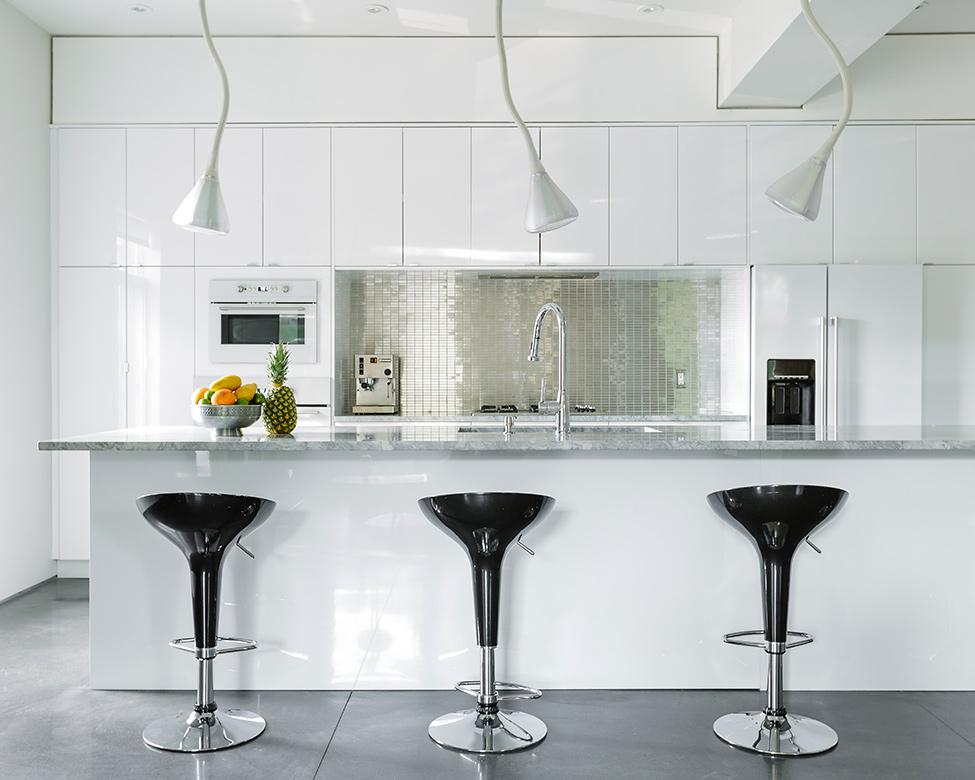 classic modern apartment canada (1)