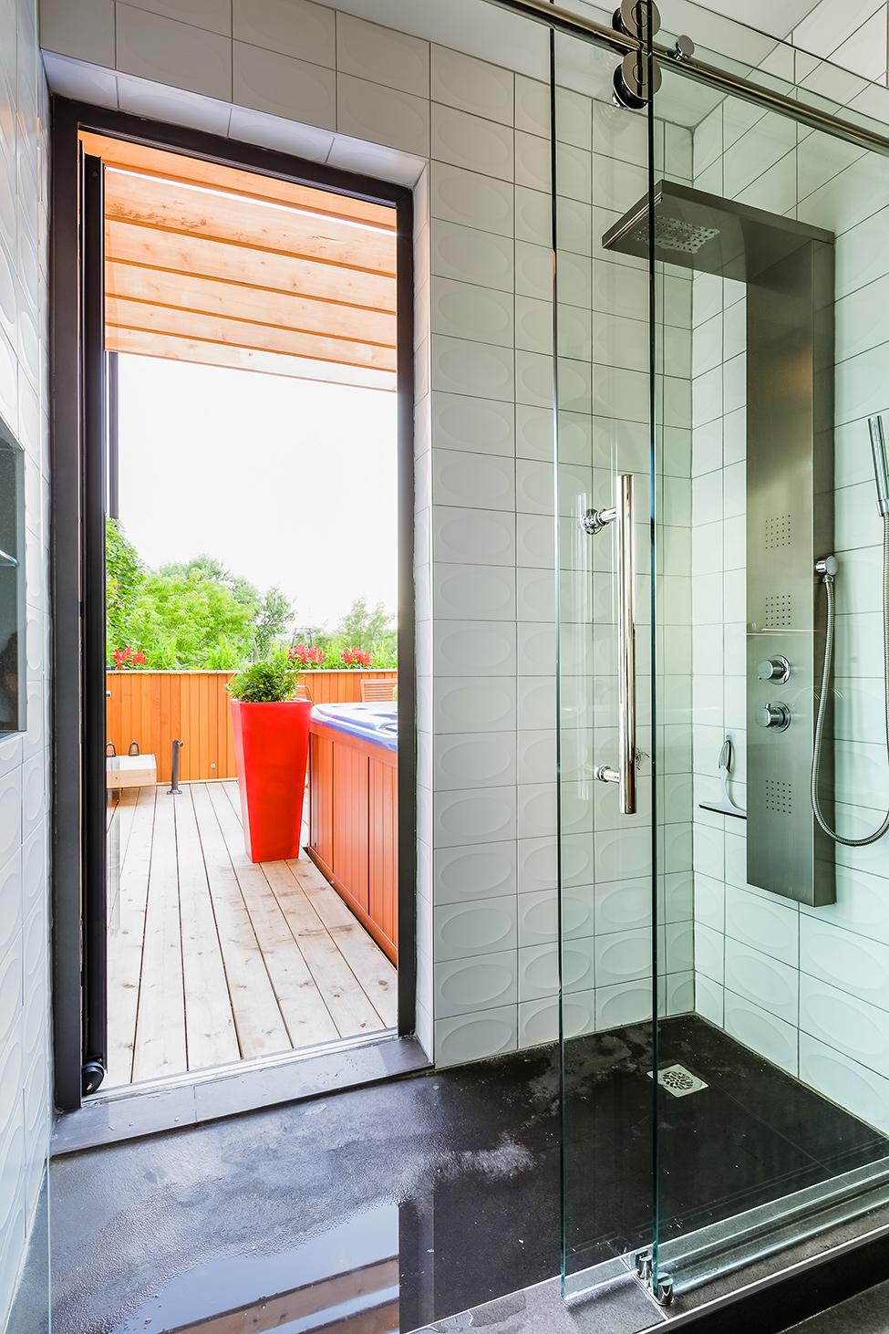 classic modern apartment canada (10)