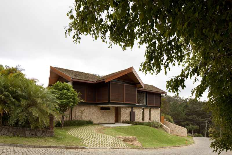 exterior-Project-House-in-the-Hills
