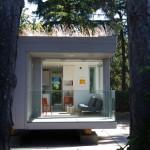 แบบบ้านหลังเล็ก ทรงสี่เหลี่ยมคล้ายตู้คอนเทนเนอร์ ตกแต่งเรียบง่ายกะทัดรัด