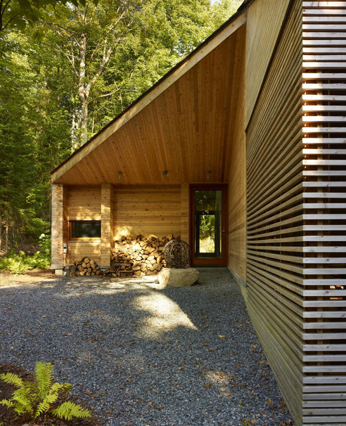 modern wooden cottage house (1)