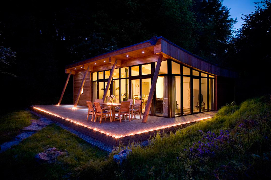 small modern wooden house (5)