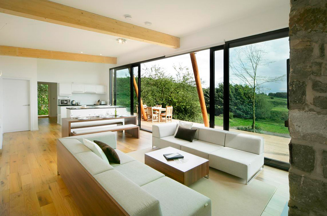 small modern wooden house (6)