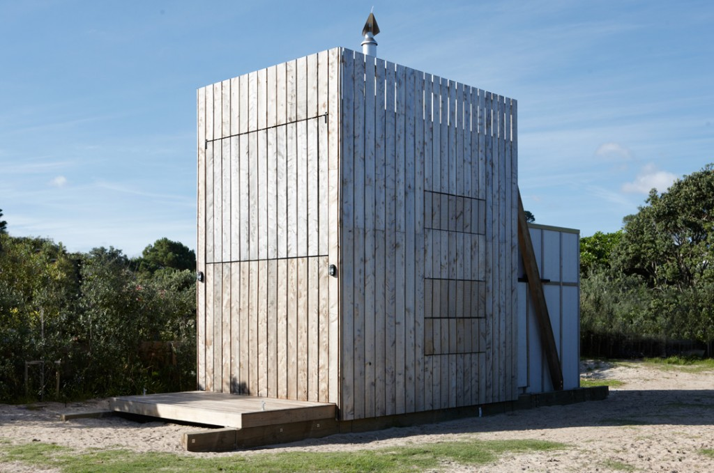 Crosson-Clarke-Carnachan-Architects-Whangapoua-Sled-House-