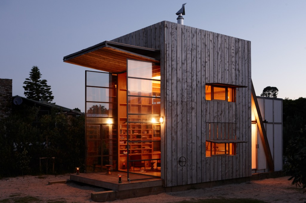 Crosson-Clarke-Carnachan-Architects-Whangapoua-Sled-House12-1024x679