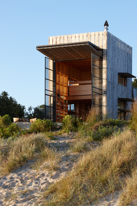 Crosson-Clarke-Carnachan-Architects-Whangapoua-Sled-House2