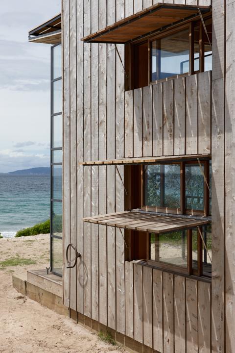 Crosson-Clarke-Carnachan-Architects-Whangapoua-Sled-House3