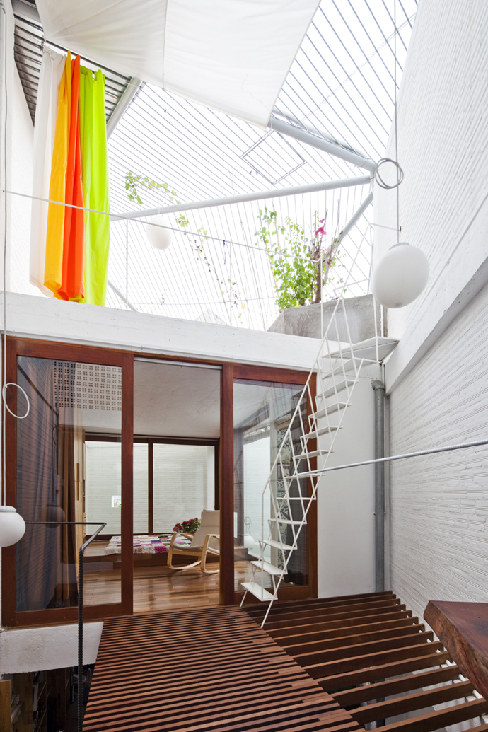 city townhouse contemporary in vietnam (6)