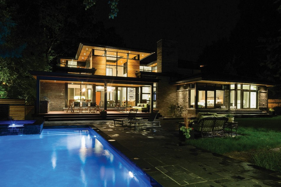 contemporary house in canada with natural surrounding (13)