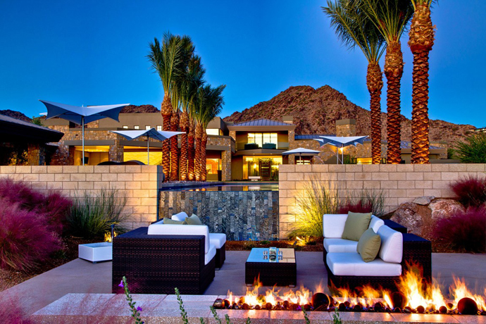 contemporary house in desert modern (24)