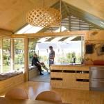 บ้านไม้ชั้นเดียว ออกแบบรูปทรงคอทเทจ เสริมการตกแต่งด้วยลูกเล่นที่ทันสมัย