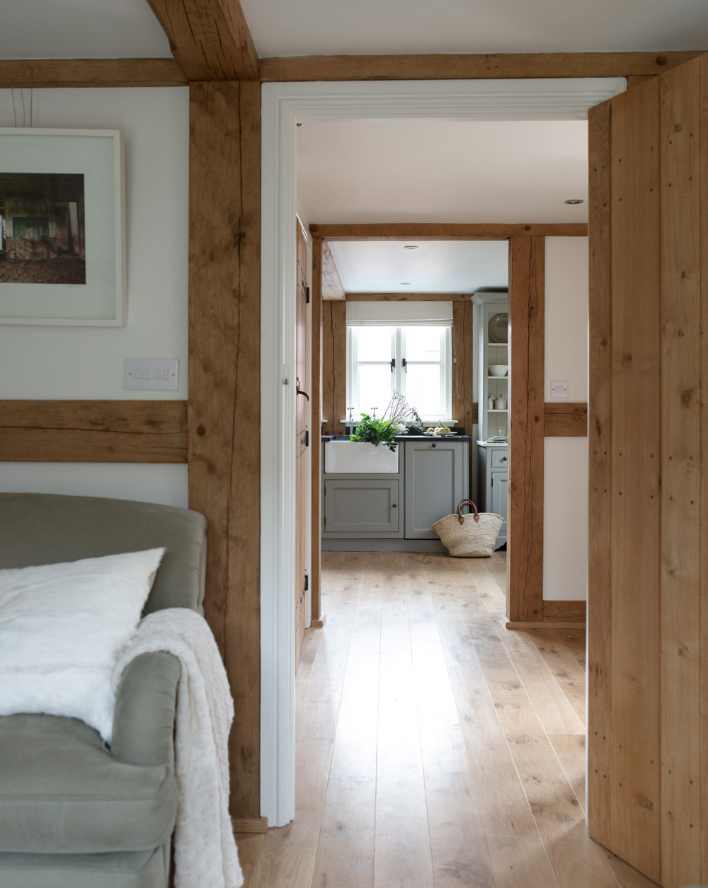 cottage wooden house classic style (5)