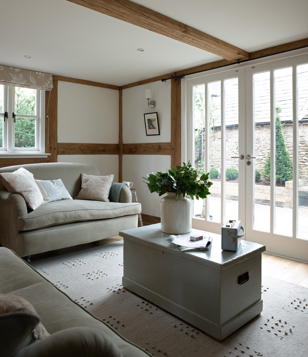 cottage wooden house classic style (6)