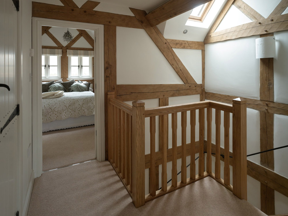 cottage wooden house classic style (7)