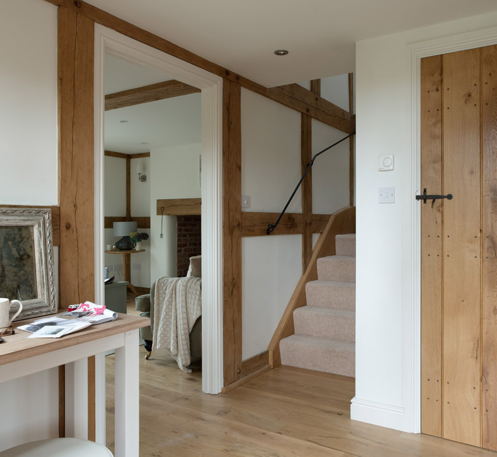 cottage wooden house classic style (9)