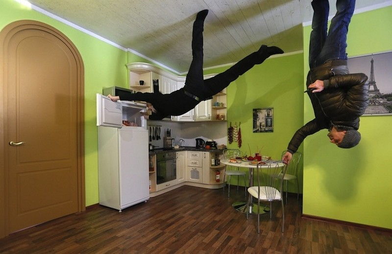 gravity up side down house in moscow russia (11)