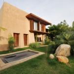 บ้านสวยกลางสวน ออกแบบเรียบง่ายดั้งเดิมผสานความทันสมัย รายล้อมด้วยธรรมชาติ