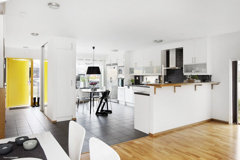 house in sweden wooden contemporary yellow black (2)