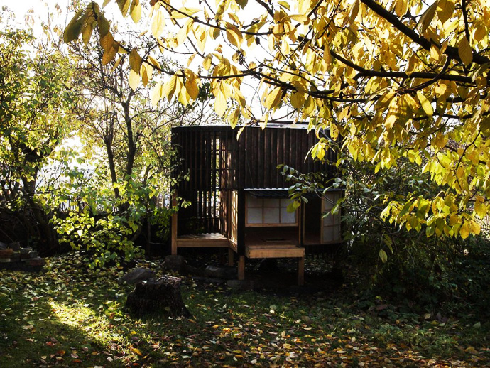 japanese tea house in the garden (8)
