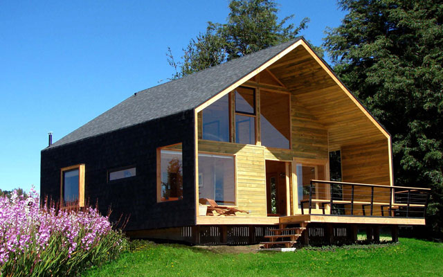 large wooden cottage house (10)