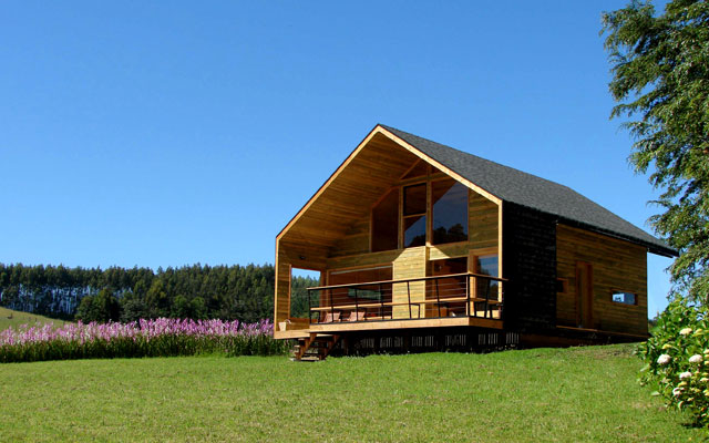 large wooden cottage house (12)
