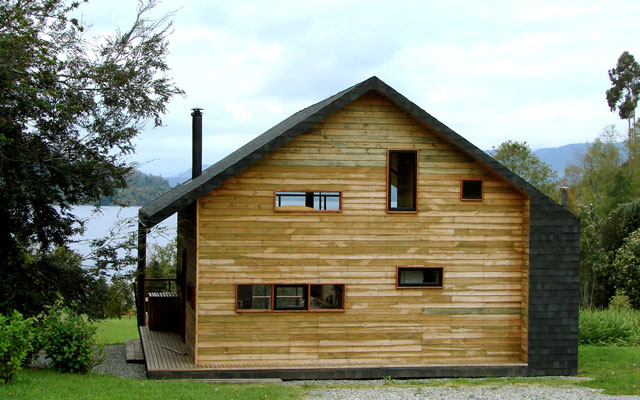 large wooden cottage house (6)