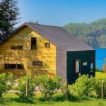 แบบบ้านไม้ชั้นครึ่ง ในบรรยากาศเนินเขาริมทะเลสาบ ตกแต่งสวยงามน่าอยู่