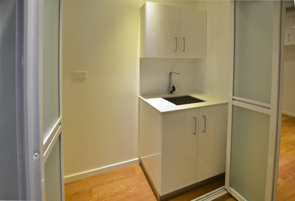 mini 2 bedrooms container house (9)