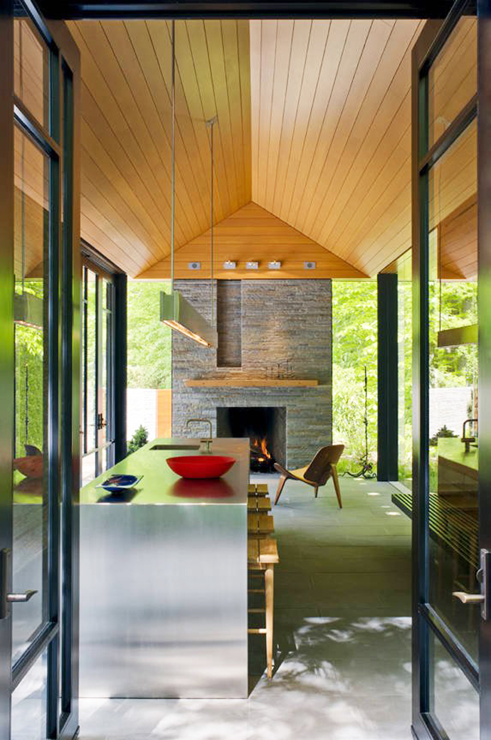 mini modern cottage house in forest usa (5)
