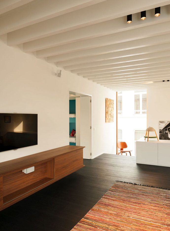 mini modern cute townhouse for growing family in belgium (14)