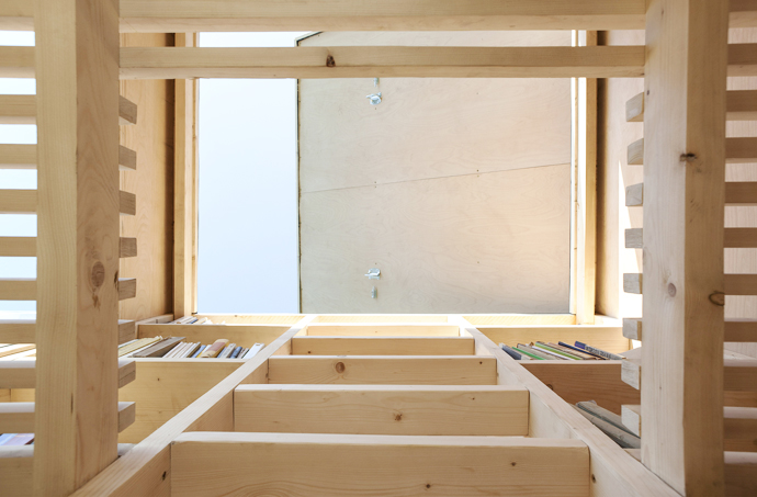 mini wooden house library (13)